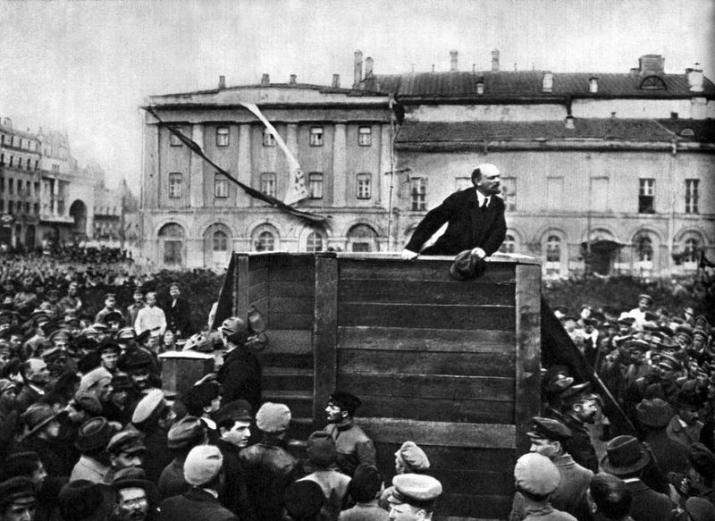 Iconic image of Lenin on Theatre Square in 1920